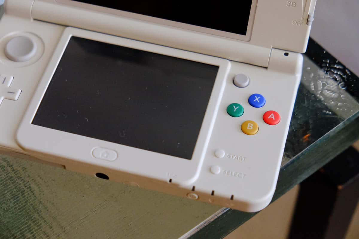 japanese new 3DS white-10