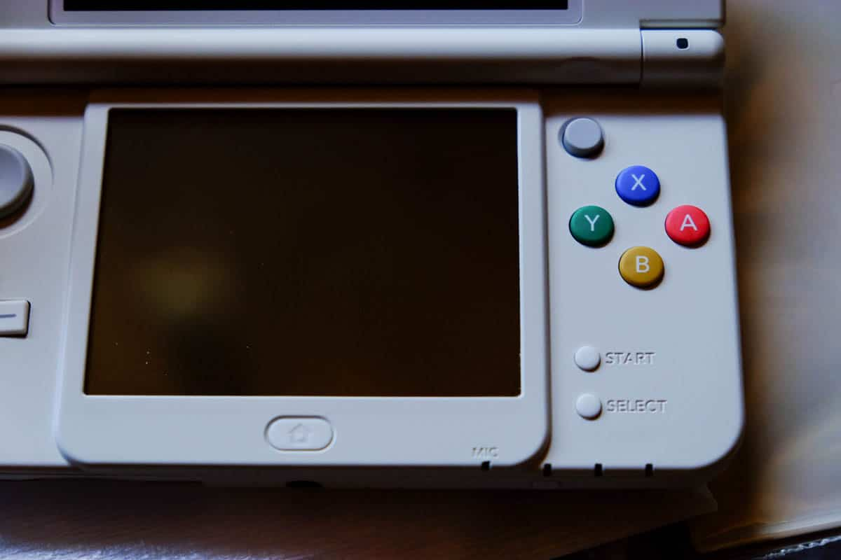 japanese new 3DS white-6
